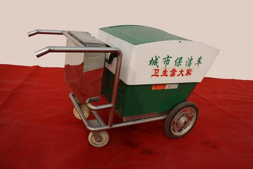 绿色、实用的环卫清运车