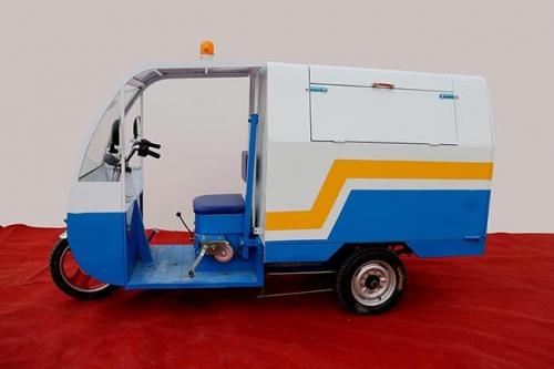 下雨天如何维护保养四川电动环卫车